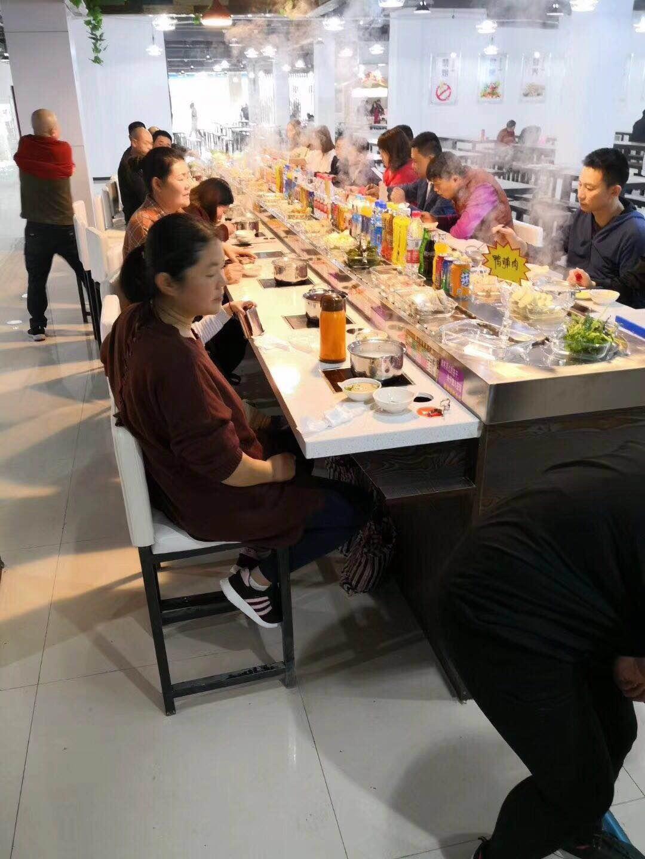 濰坊小商品城美食廣場