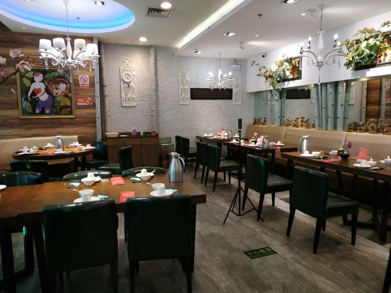 (快租)潍坊万达3楼餐饮6年品牌店转让,价格5万有意者请联系
