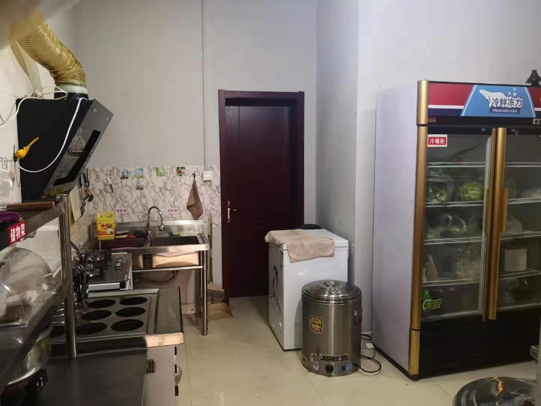 (快租免费寻址)阳光100临街餐馆转让