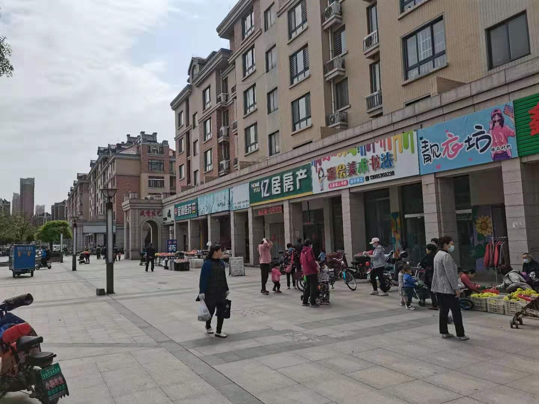 (快租免费寻址)潍城区长松路东风街鲁发名城商业街旺铺转让