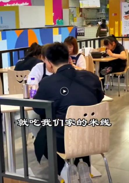(快租)原泰华香沅桥砂锅米线,印象汇店对外整体转让。