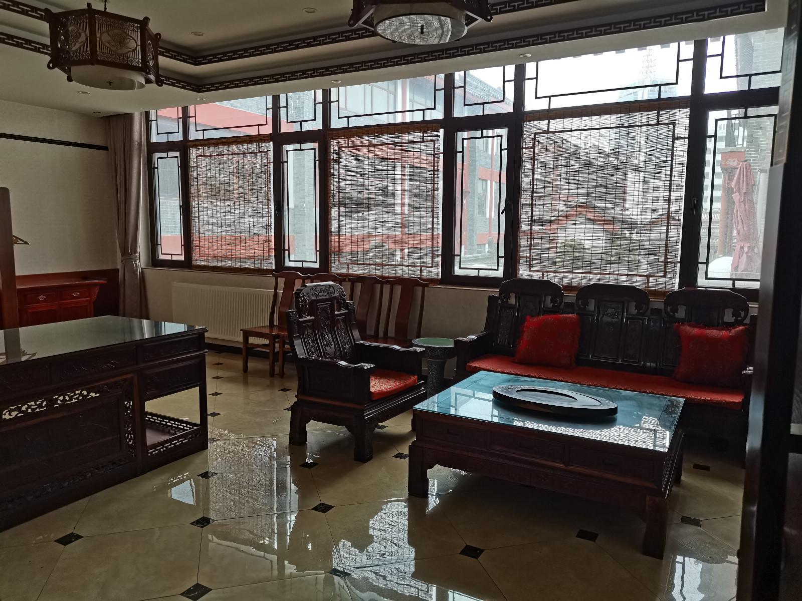(快租免费寻址)潍城曹家巷3楼商铺出租独立门口和楼梯